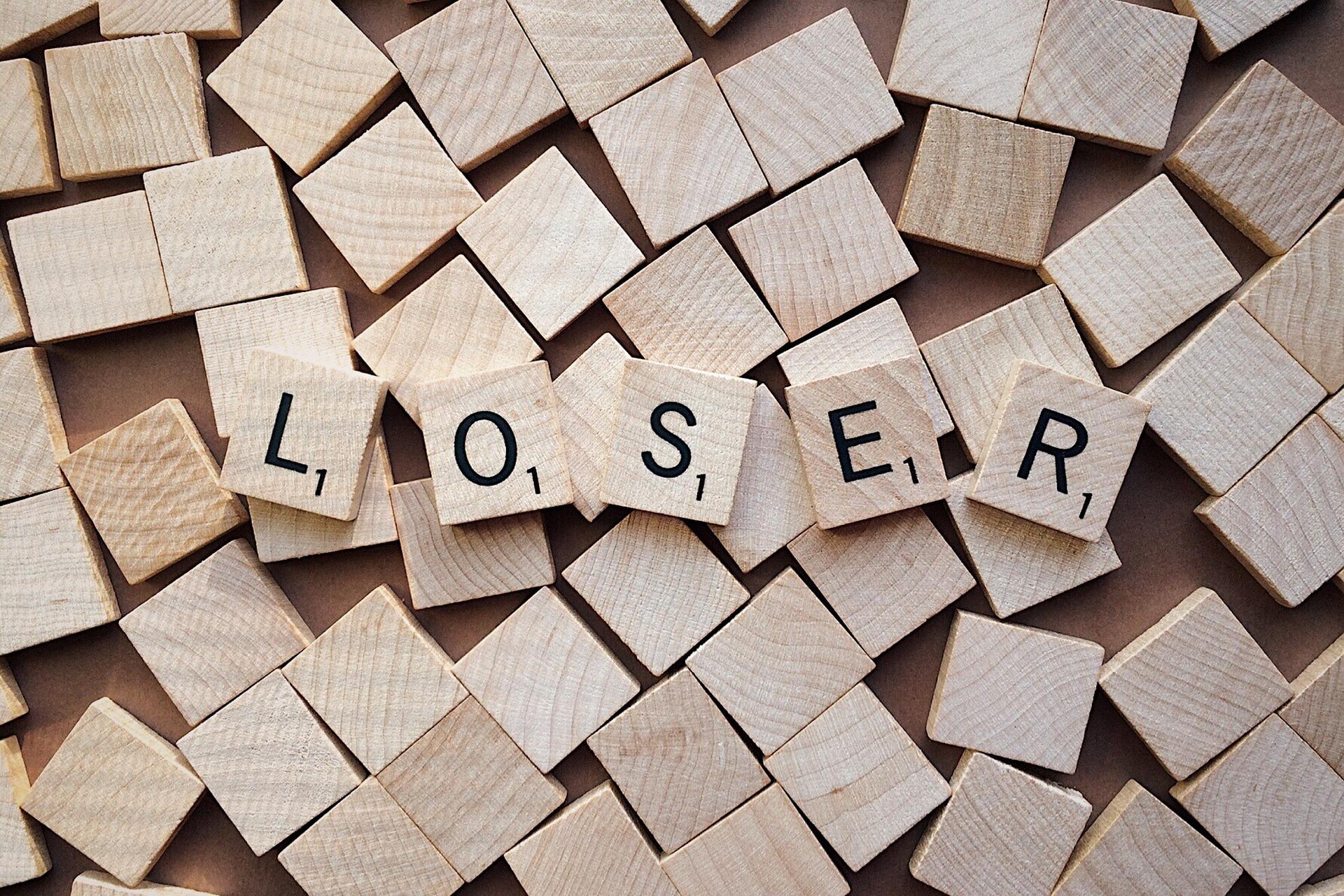Social media loser